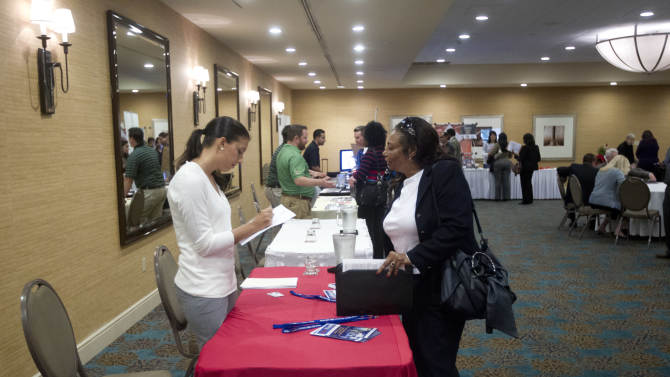 US job gains defy Sandy and fears of fiscal cliff