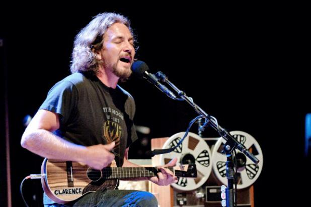 Jimmy Fallon Honoring, Hosting Pearl Jam for Special 'Late Night' Week