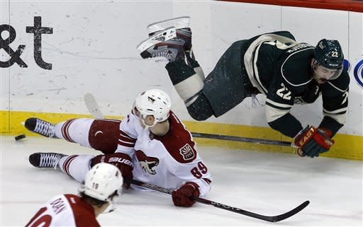 Vrbata scores 2 in 3rd and Coyotes beat Wild 4-2