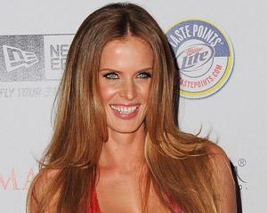 TVLine Items: Rebecca Mader Gets 30 Rock'd, Grey's Anatomy Adds Nip/Tuck Alum and More