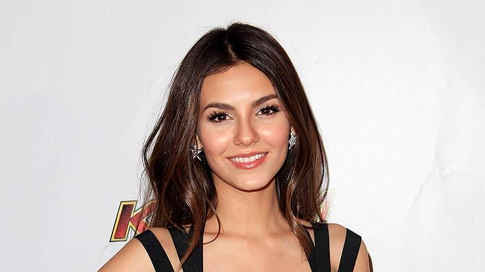 Victoria Justice KIIS Jongle Ball
