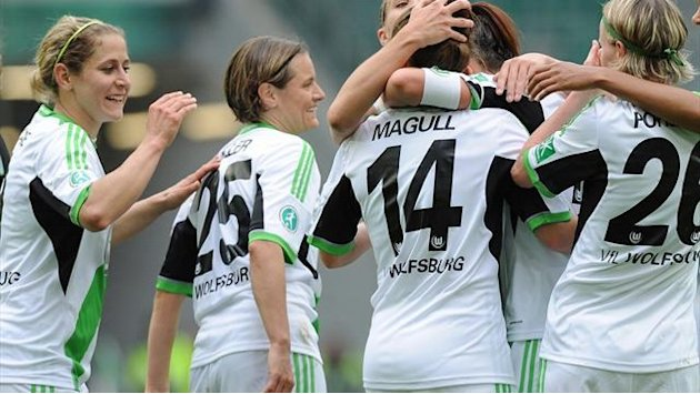 Fuball - Mller und Pohlers bescheren Wolfsburg das Double