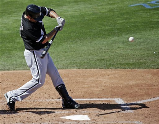 Konerko hits 2 HRs, White Sox beat Cubs