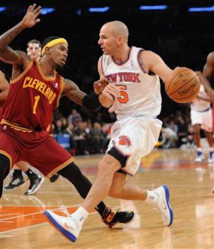 Knicks overcome Irving's 41, hold off Cavs 103-102