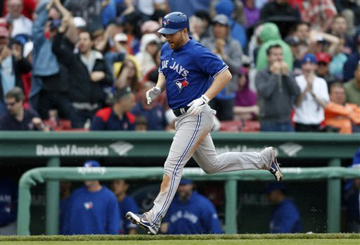Lind's solo homer lifts Jays past Red Sox, 3-2