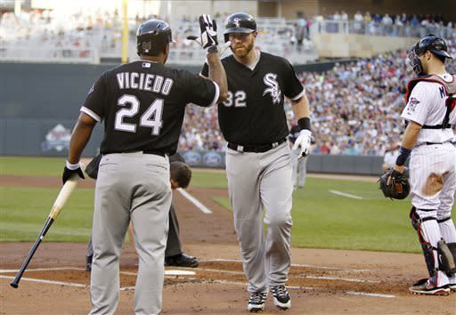 Peavy, power lift White Sox over Twins 4-2