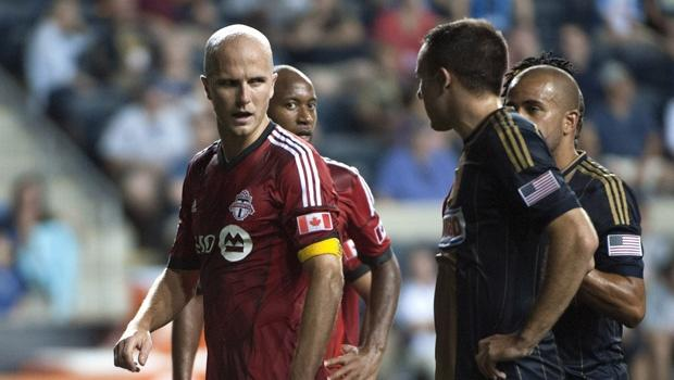USMNT's Michael Bradley sports Canadian hockey sweater after losing Olympic bet | SIDELINE