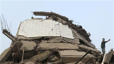 Bangladesh Factory Collapse Death Toll Nears 350