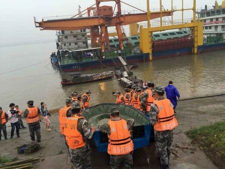 Chinese ferry with 458 aboard sinks in storm, 12 rescued