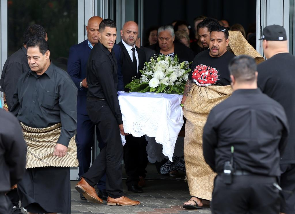 Traditional Pacific farewell for Lomu draws thousands