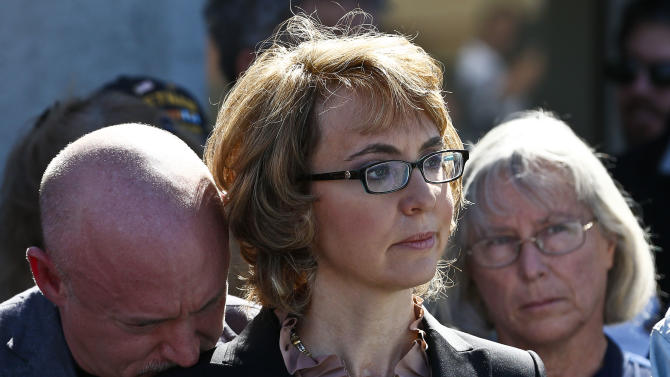 Giffords, Tucson victims call for new gun controls
