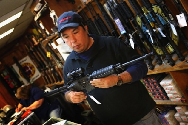 debate on gun control on assault Gun control: gun control legislation should ultimately fall on individual states, with the exception of instant background checks to prevent firearms from finding their way into the hands of criminals and the mentally ill, and a federal ban on assault weapons.