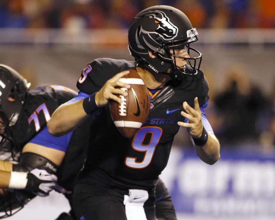 Boise State throttles Nevada, 34-17