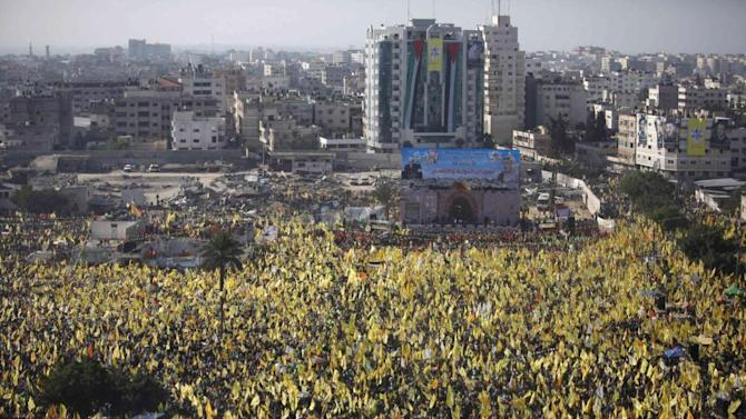 Abbas's Fatah holds first mass Gaza rally in years