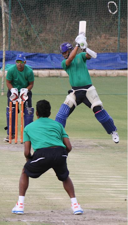 Rajasthan Royals skipper Rahul Dravid in action at the RCA academy, Sawai Mansingh Stadium in Jaipur on March 29th, 2013