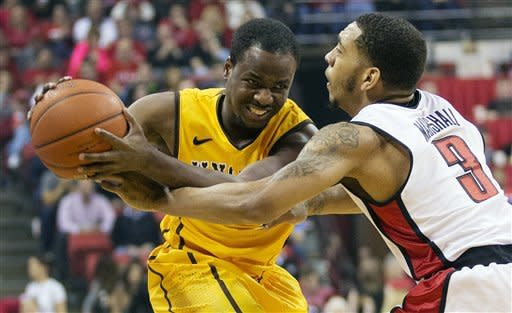 UNLV drops Wyoming 62-50