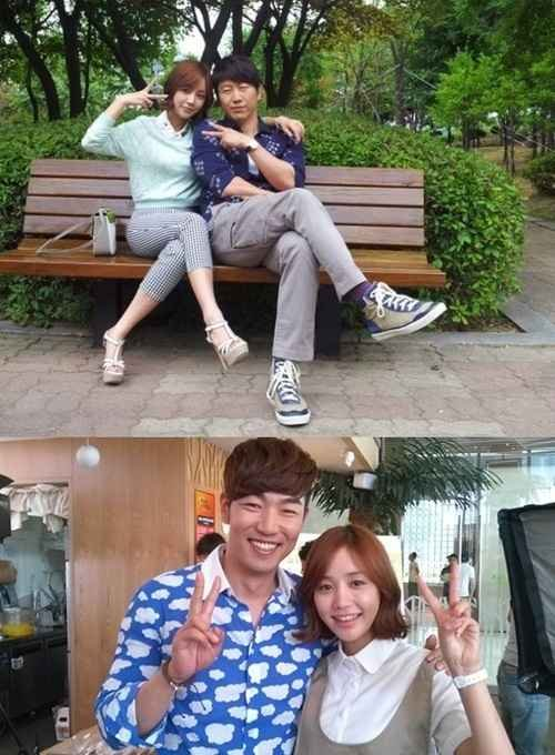 A Gentlemans Dignity Yoon Ji Ni Poses with her Older Brothers
