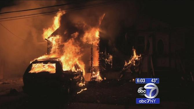 Man helps rescue his neighbor from burning home in North Babylon
