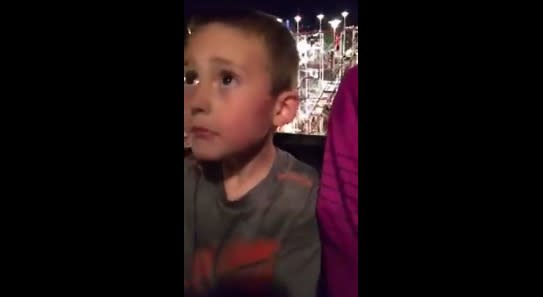 Hero dad holds son in place when his seat belt terrifyingly fails on a rollercoaster