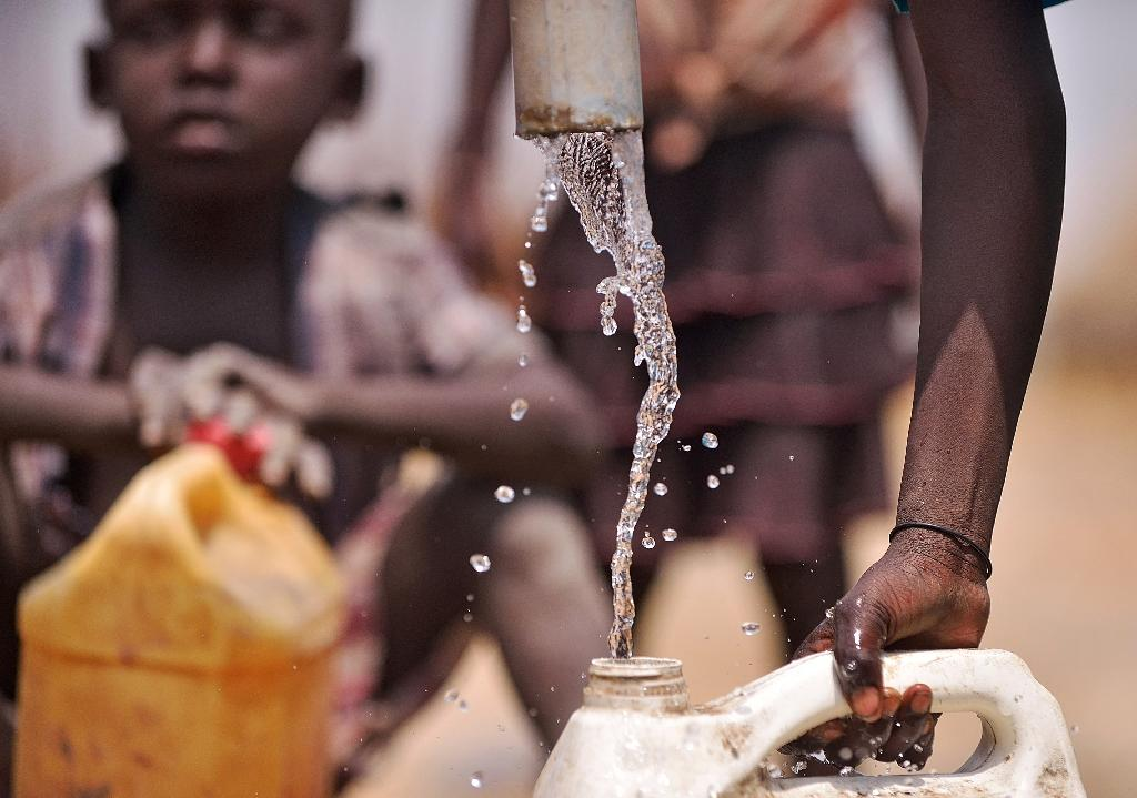 Looted and leaking, South Sudan's oil wells pose health risk