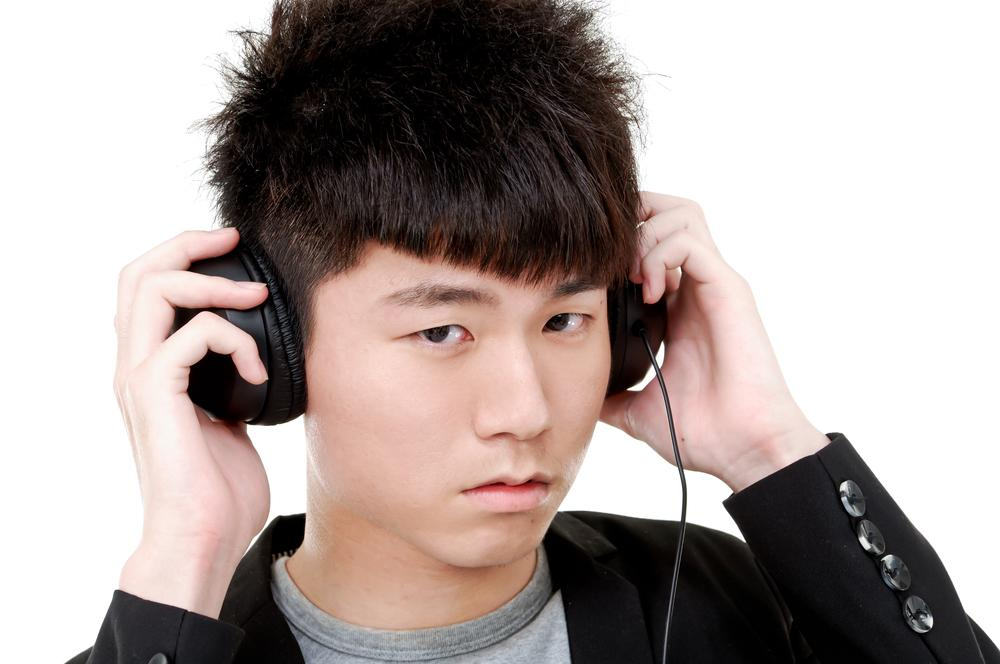 One billion young at risk of hearing loss from loud music: WHO