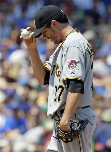 McKenry, Marte homer to help Pirates beat Cubs 8-4