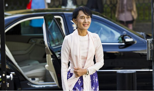 Myanmar opposition leader Aung San Suu Kyi arrives in Oslo, Friday, June 15, 2012. Suu Kyi formally accepts the Nobel Peace Prize on Saturday June 16, 2012, in the Norwegian capital. (AP Photo / Vegar