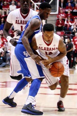 Jacobs, hot Alabama overcome Kentucky 59-55