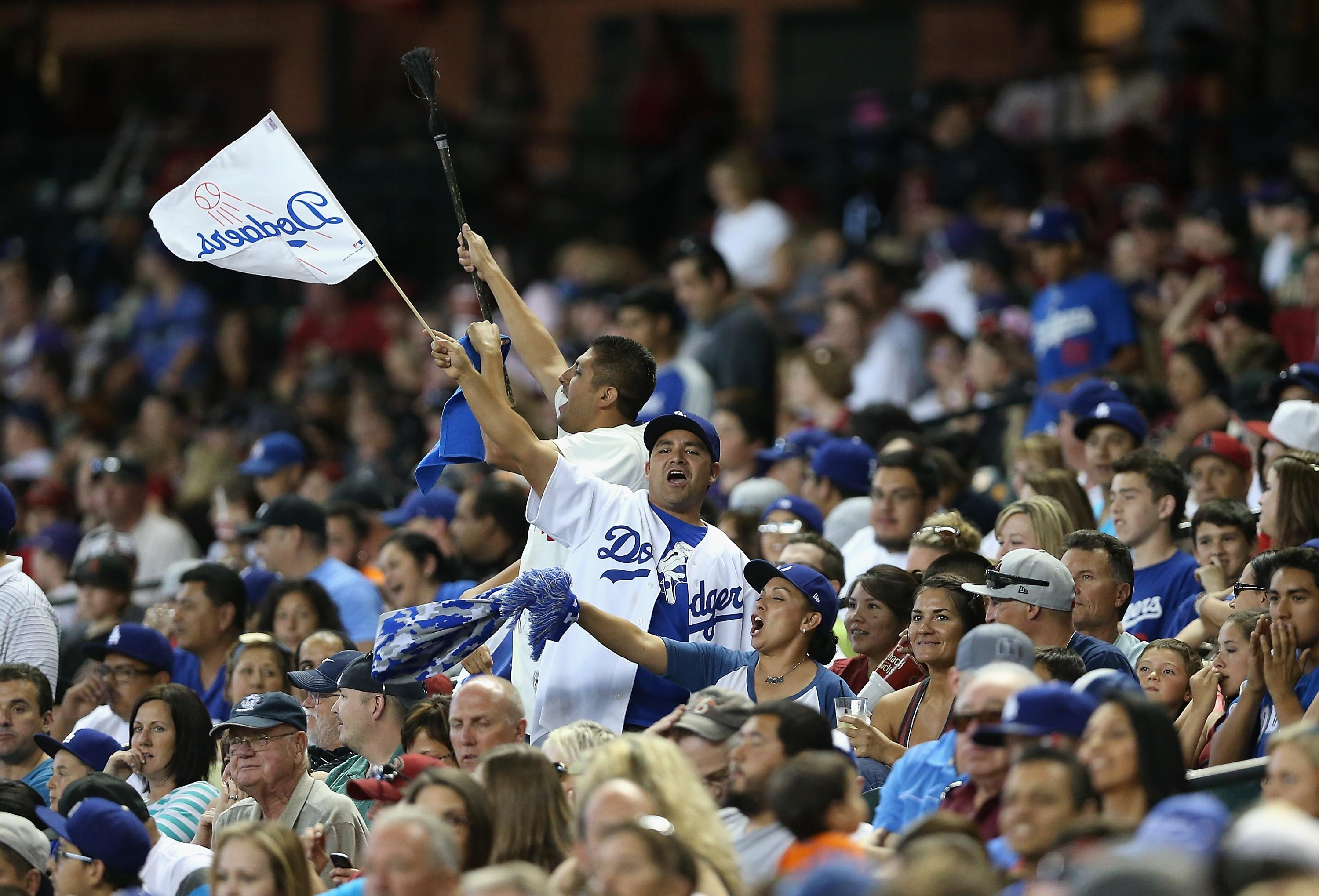 Time Warner Cable expected to lose $1 billion in messy Dodgers TV deal