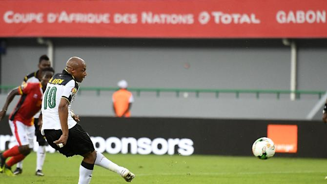 Ghana's forward Andre Ayew scores a penalty during the 2017 Africa Cup of Nations group D football match between Ghana and Uganda in Port-Gentil on January 17, 2017