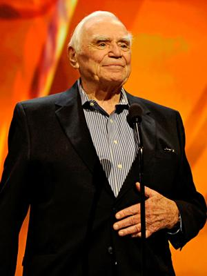 SAG Awards 2011: Tearful Ernest Borgnine Receives Life Achievement Award
