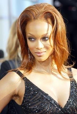 Tyra Banks Golden Globes - 1/25/2004