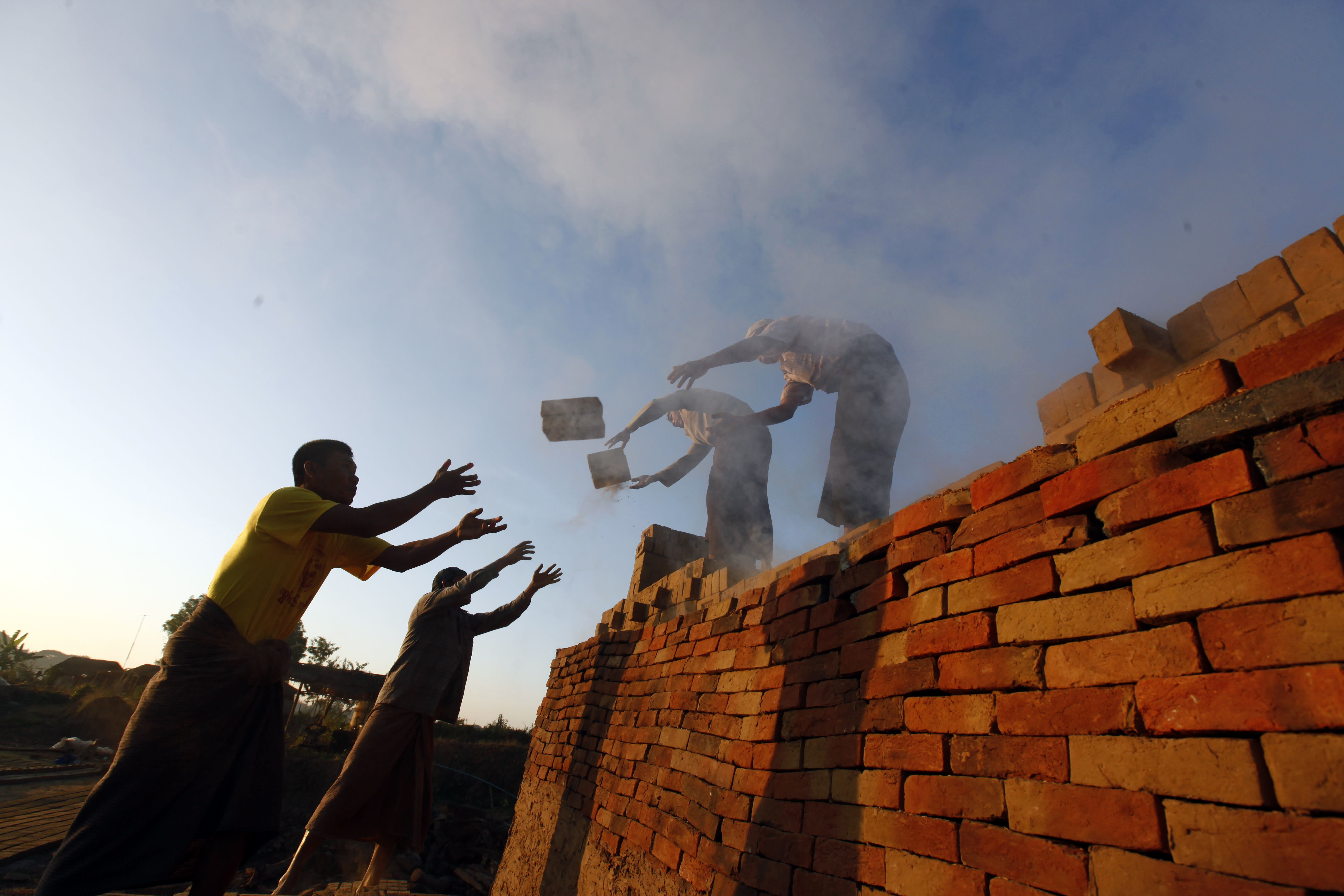 Stark inequality: Oxfam says 8 men as rich as half the world