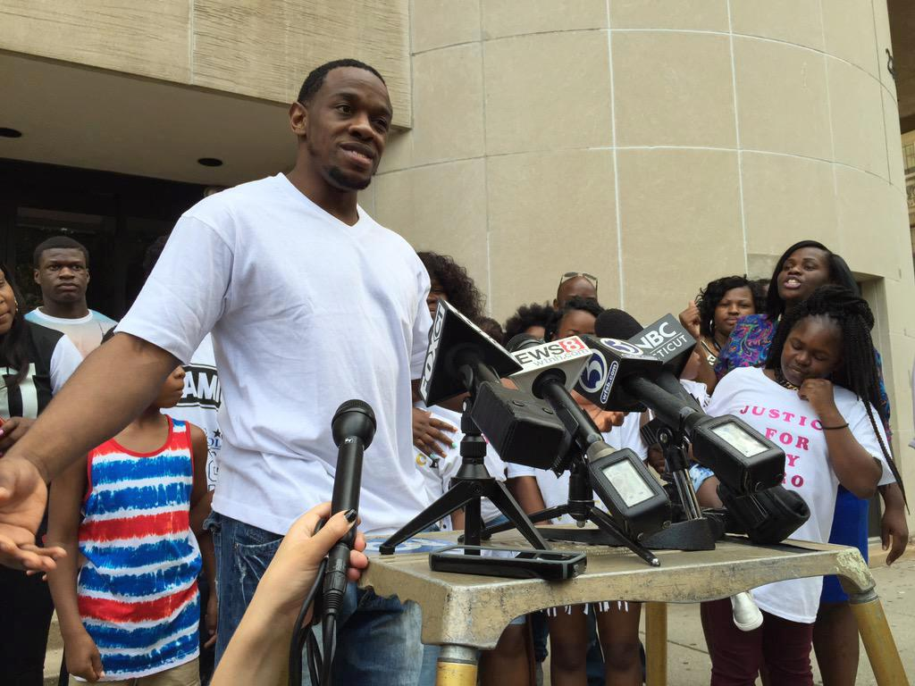Murder conviction tossed, man freed after 9 years in prison