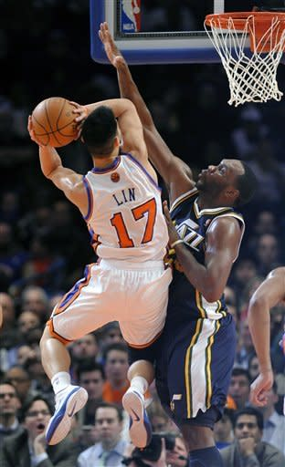 Lin scores 28, carries short-handed Knicks again