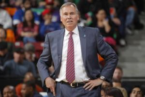 Lakers coach Mike D'Antoni resigns
