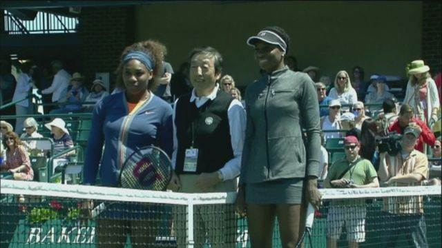 Serena wins sibling semi-final against Venus