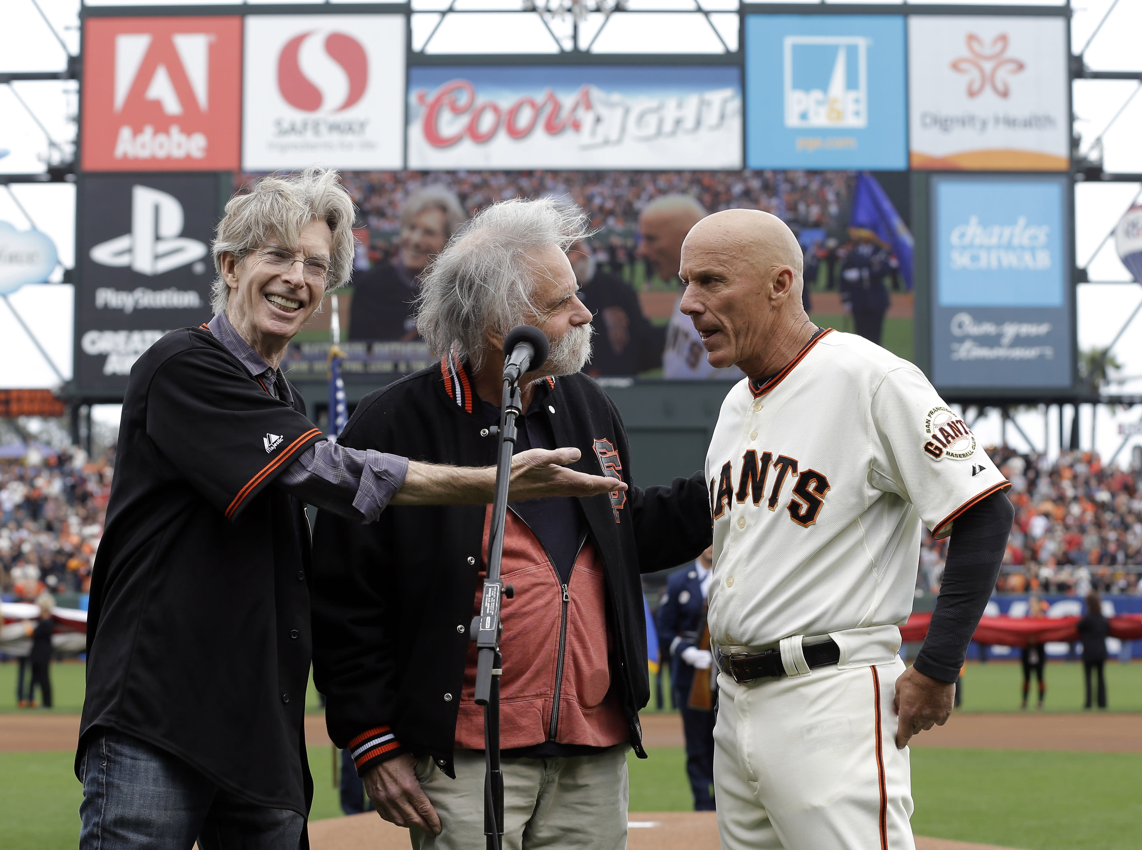 Tim Flannery is fed up with Padres fans, writes lengthy statement