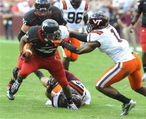 Cincinnati stuns Virginia Tech 27-24 on late TD