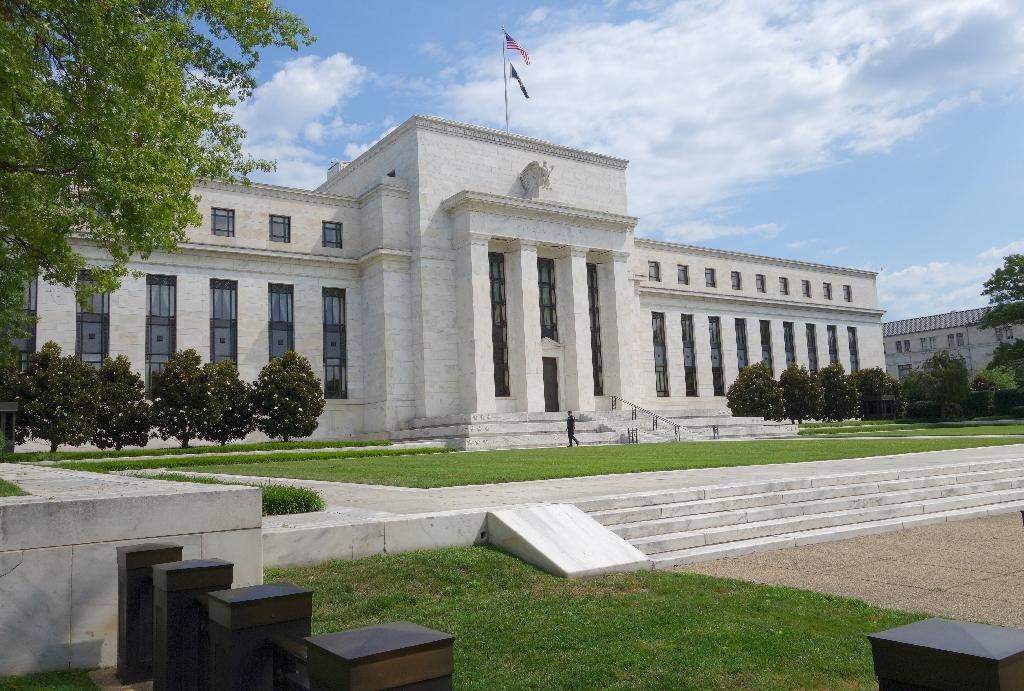 IMF says Fed 'can hold off' on interest rate rise