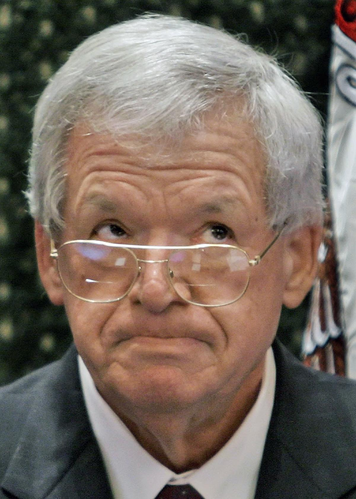Ex-US Speaker Hastert indicted on bank-related charges