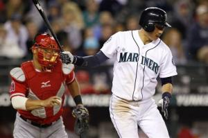 Iwakuma, Mariners shut down Angels 6-1
