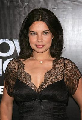Zuleikha Robinson at the New York premiere of Columbia Pictures' We Own the Night