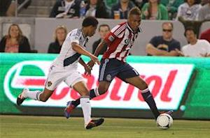 Los Angeles Galaxy 1-1 Chivas USA: Late Alvarez equalizer earns point for 10-man Goats