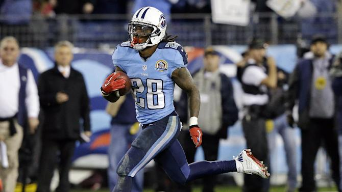 Tennessee Titans running back Chris Johnson (28) runs for a 94-yard touchdown against the New York Jets in the second quarter of an NFL football game, Monday, Dec. 17, 2012, in Nashville, Tenn. (AP Photo/Wade Payne)