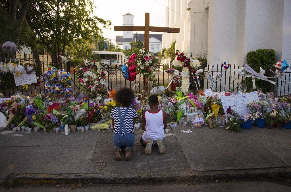Prosecutor seeks death penalty for Charleston shooter