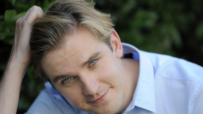 """FILE - In this July 31, 2011 file photo, actor Dan Stevens poses for a portrait, in Beverly Hills, Calif.  Stevens, who is currently shooting the third season of """"Downton Abbey,"""" is joining the cast of Broadway's """"The Heiress."""" Producers said Sunday, May 13, 2012 that Stevens, who plays the aristocratic Matthew Crawley on the hit PBS show, will make his Broadway debut opposite Jessica Chastain and David Strathairn. (AP Photo/Chris Pizzello, File)"""