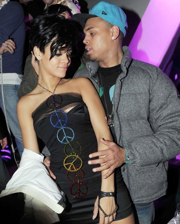 Chris Brown 'Snuck In' Rihanna's Hotel Room For Secret Hookup