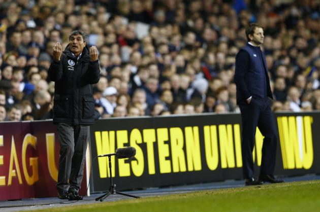 Dnipro's manager Ramos gestures during their Europa League soccer match against Tottenham Hotspur at White Hart Lane