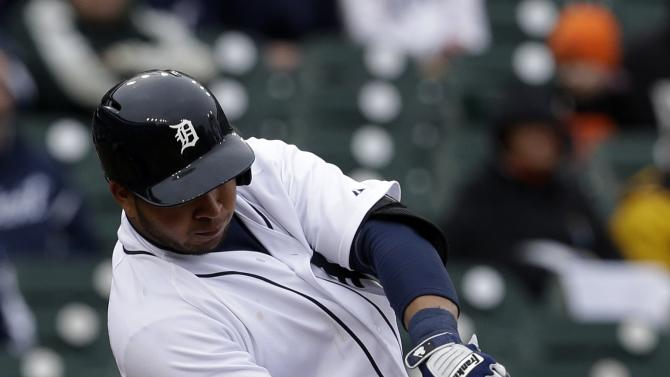 Detroit Tigers' Jhonny Peralta hits an RBI single against the Toronto Blue Jays in the fifth inning of a baseball game in Detroit, Wednesday, April 10, 2013. (AP Photo/Paul Sancya)